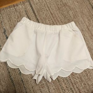 White Scallop Fabric Shorts